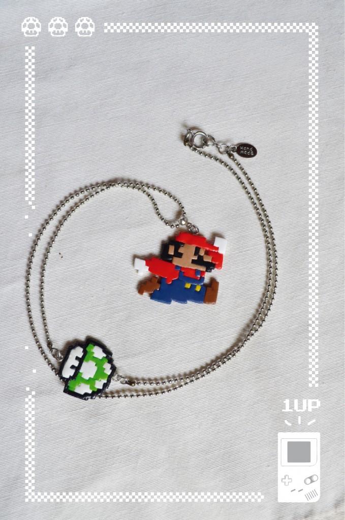"Collier ""Super Mario"""