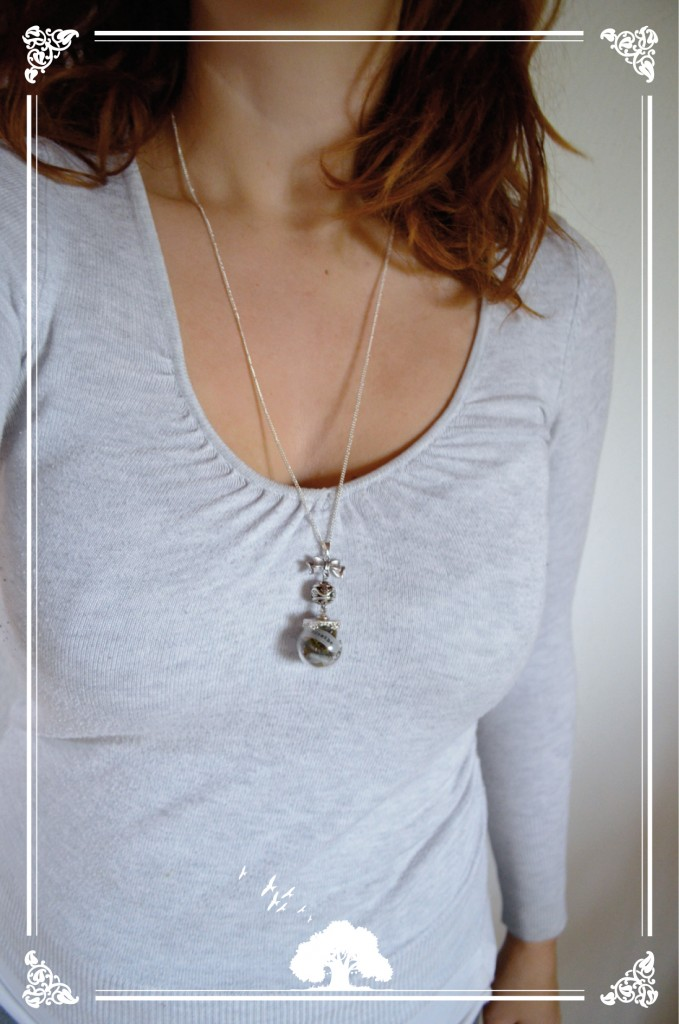 "Collier boule ""Breathe"""